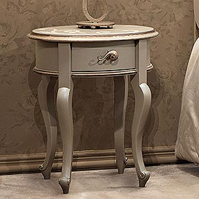 CONTE L.51 H.61 P.41 cm</br>  _Conte nightstands in greige finish cat.B, with Damasco decoration, Ricciolo metal handles, dove grey silver leaf finish