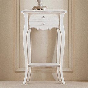 TELMA L.44 H.70 P.33 cm</br>  _Telma wooden night table with Bijou metal handles, ivory Luise finish with silver leaf details, cat. B